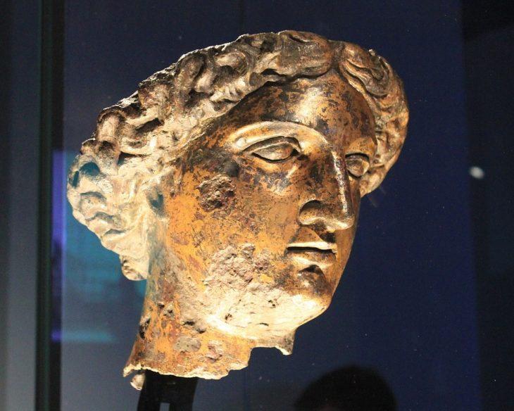 Tête de Sulis-Minerve aux Thermes de Bath